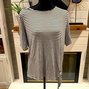 💸FREE WP💸 Chico's striped top